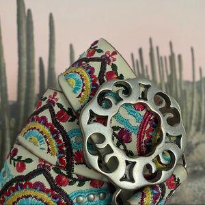 Lucky Brand Boho Embroidered White Belt Medium